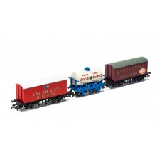 Hornby R6991 Retro Wagon 3 pack United dairy tanker jacobs