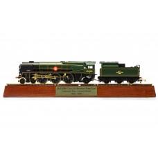 Hornby R3824 Clan Line locomotive